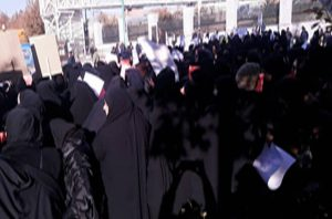Students_gathering_teachers_in_Tehran_Ardakan_and_Izeh_in_a_protest_over_recruitment3-300x198.jpg