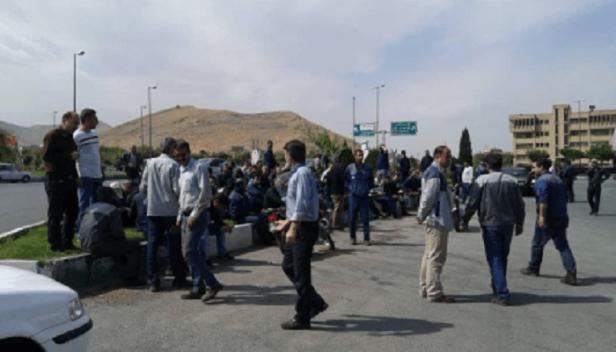 تجمع-کارگران-کارخانه-آذرآب-اراک-در-میدان-صنعت-اراک-min